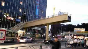 武蔵小金井駅北口歩道橋